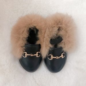 Toddler Girl Fur Loafers size 5.5